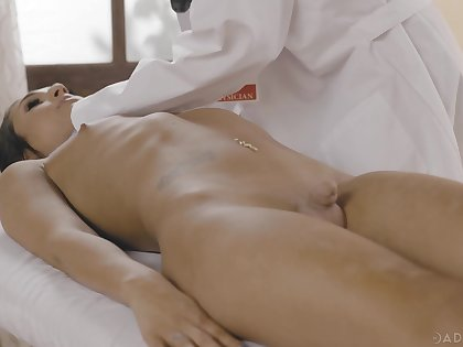 Sexy physician Dee Williams gets put forth with transsexual patient