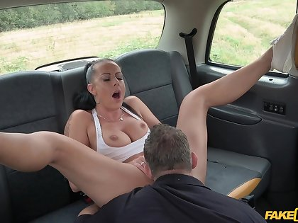 Daring doll Texas Patti gets dicked at large on a car hood