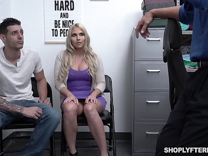 Chubby stepmom Christie Stevens is fucked in front be incumbent on her stepson