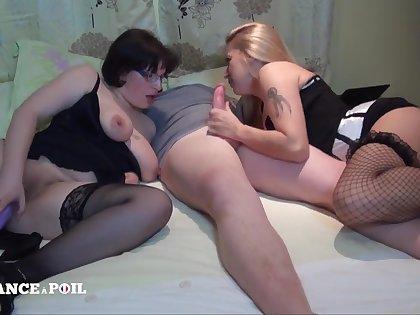 Two Curvy Mom Dildo-Banging Before fuck