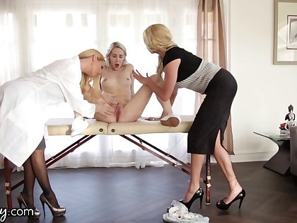 Young lesbian squirts after threesome sex with two experienced women