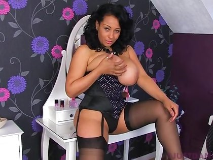Solo parcel out Danica Collins enjoys drilling her gungy fuck hole